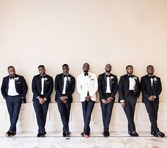 Well groomed and looking #dapper #munaluchibride #munagrooms #dapper #munaluchibridal #sharp #ido @dotunayodeji Suit @kimonocollection  Wedding Planner @masterplanevents  Men's Boutonniere @bcgevents