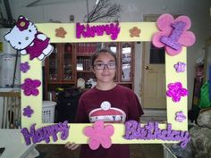 Cuadro para tomar fotos Hello Kitty. Picture Frames For Parties, Party Photo Frame, Party Frame, Hello Kitty Birthday Theme, Hello Kitty Themes, Hello Kitty Cake, 3rd Birthday Parties, Birthday Party Decorations, Hello Kitty Pictures