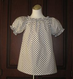White and Black Polka Dots Peasant Top 12M   To 7 by FRANCISBEL