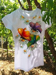 Paint this on a canvas apron Dress Painting, T Shirt Painting, Fabric Painting, Fabric Paint Shirt, Paint Shirts, Painted Jeans, Painted Clothes, Hand Painted Dress, Fabric Paint Designs