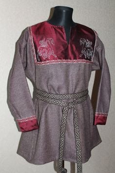 Early medieval viking woolen tunic by NornasMystery on Etsy