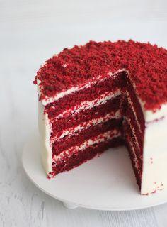 Cupcakes, Cupcake Cakes, Bolo Red Velvet Receita, Red Velvet Cake Decoration, Simple Birthday Cake Designs, Red Velvet Birthday Cake, Scones Ingredients, Caramel Cheesecake, Celebration Cakes