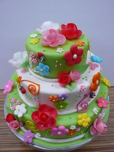 Like the bright colors on this cake!