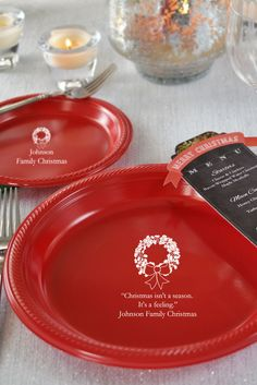 Personalized plastic Christmas dinner and dessert plates. Christmas Cookies Gift, Christmas Party Decorations, Christmas Plates, Christmas Baking, Family Christmas, Christmas Decor, Christmas Ideas, Party Plates, Dessert Plates