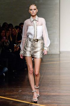 Gianfranco Ferre Spring 2013 Ready-to-Wear Collection