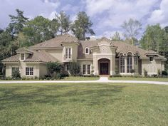 I love this Florida style home! I love stucco on a house!
