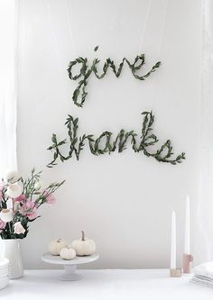 We are all about the greenery when it comes to modern party decorations. Check out this DIY Thanksgiving Greenery Garland to get inspiration for new ways to style your home for the fall holidays. Thanksgiving Diy, Thanksgiving Decorations, Holiday Decor, Seasonal Decor, Diy Girlande, Greenery Garland, Floral Garland, Christmas Balls, Christmas Door