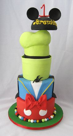 Goofy, Donald & Mickey Mouse Mash Up Cake