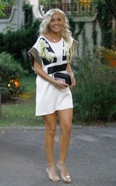 Alina Eremia - Cântăreaţă Alicia Silverstone, Celebrity Style, White Dress, Beautiful Women, Singer, Romania, Celebrities, Baddie, T Shirt