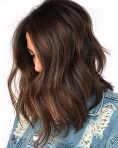 60 Chocolate Brown Hair Color Ideas For Brunettes - Hair Color .- 60 Schokoladenbraune Haarfarbe Ideen für Brünette – Haarfarbe – 60 Chocolate Brown Hair Color Ideas For Brunettes – Hair Color – color - Brown Hair Balayage, Brown Blonde Hair, Hair Highlights, Caramel Balayage, Copper Highlights, Short Brunette Hair, Subtle Balayage Brunette, Chestnut Highlights, Hair Color Ideas For Brunettes Balayage