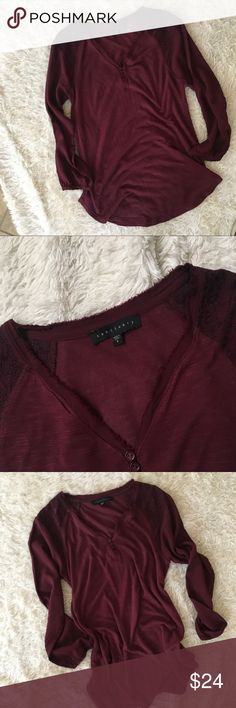 SACTUARY 3/4 Top EUC Burgundy/ wine colored 3/4 sleeve peasant top from Sanctuary. Embroidered shoulder detail. ✨OFFERS WELCOME✨ Sanctuary Tops Tees - Long Sleeve