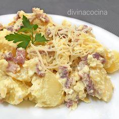 Esta receta de patatas carbonara la puedes preparar a tu estilo, con patatas fritas o cocidas, y con distintas elaboraciones. Aquí te dejamos varias ideas.