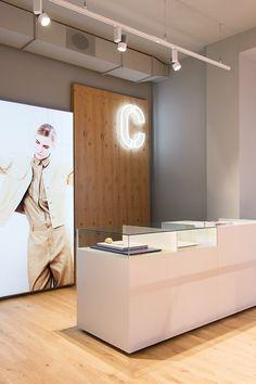 Display and cash desk at CLOSED store Cologne, Germany, by PHILIPP MAINZER (2014). Photo: Ewa Skorupska. #interior #fashion #boutique