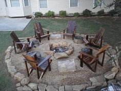 A fire pit ideas can be the centerpiece to a backyard landscape. Check out some of these cool fire pit ideas for your next backyard project. Backyard Seating, Fire Pit Backyard, Backyard Patio, Sloped Backyard, Outdoor Fire Pits, Pea Gravel Patio, Outdoor Pool, Fire Pit Gravel, Desert Backyard
