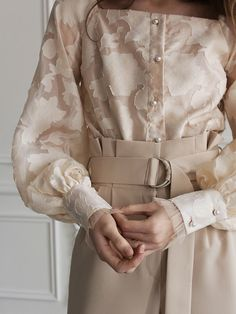 Classy Outfits, Vintage Outfits, Cute Outfits, Aesthetic Fashion, Aesthetic Clothes, Victorian Fashion, Vintage Fashion, Parisian Girl, Hijab Fashion