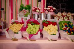 adorno mesa de nena fucsia y verde - Buscar con Google Ideas Para Fiestas, Minnie, Table Decorations, Google, Bar, Home Decor, Nappy Cake, Pink Candy Table, Hot Pink