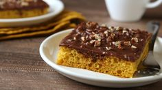 Pumpkin Sheet Cake with Chocolate Pecan Frosting.Pumpkin lovers, this cake is for you! Topped with a chocolate pecan frosting, this decadent fall cake is a foolproof winner. Sheet Cake Recipes, Sheet Cakes, Pumpkin Sheet Cake, Pumpkin Cakes, Pumpkin Pumpkin, Pumpkin Recipes, Fall Recipes, Gf Recipes, Recipes