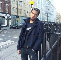Vic Mensa on that 221 Baker st grind in London