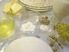 Mari's Cakes: BIZCOCHO y CUPCAKES DE VAINILLA PISTACHO, PISTACHIO CAKE
