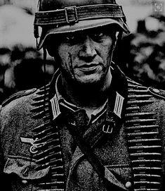 Heroes -A Wehrmacht hero by Kommandeur on DeviantArt German Soldiers Ww2, German Army, Military Art, Military History, Germany Ww2, Ww2 History, German Uniforms, War Photography, Panzer