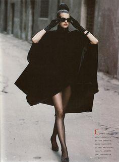 "bergdorfprincess:  80s-90s-supermodels:  ""Immagine"", Vogue Italia, September 1988Photographer: Peter LindberghModel: Linda Evangelista  Werq"