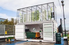 Urban Farming is a Sustainable Way to Feed City Dwellers - Produce Business UK Examines GrowUp Box Shipping Container Design, Shipping Container House Plans, Urban Agriculture, Urban Farming, Urban Gardening, Indoor Gardening, Vertical Farming, Container Buildings, Urban Setting