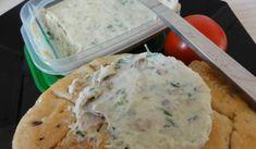 Jak udělat domácí tavený sýr z tvarohu s různými příchutěmi   recept Mashed Potatoes, Food And Drink, Menu, Ice Cream, Treats, Homemade, Ethnic Recipes, Desserts, Whipped Potatoes