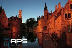 Vanaf heden is er een nieuwe APS Glass & Bar Supply geopend in Brugge: APS Glass & Bar Supply Brugge. Vanaf nu kunnen alle Belgische klanten bij dit kantoor terecht. Uiteraard kunt u rekenen op de service en kwaliteit die u van ons gewend bent. Maak graag kennis met Laure Sansen, managing director in Brugge. Zij is bereikbaar op +32 (0)50 960 095 of via email: laure@apssupply.be.  #APS #glas #horeca #bar #hotel #restaurant #Brugge #mixology #inspiratie #nieuw