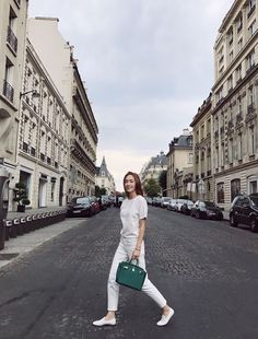 Jessica Jung keeps it casual in Paris! ~ Wonderful Generation ~ All About SNSD, Wonder Girls, and f(x) Krystal Jung Fashion, Jessica Jung Fashion, Jessica Jung Style, Snsd Fashion, Korean Fashion, Fasion, Jessie, Ex Girl, Jessica & Krystal