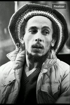 Love that Tam (aka Beanie) Bob Bob Marley Legend, Reggae Bob Marley, Bob Marley Pictures, Marley Family, Famous Legends, Jah Rastafari, Robert Nesta, Nesta Marley, Bob Marley Quotes