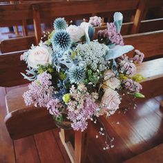 PEW/AISLE FLOWERS F l o r a l S t y l i s t  (@pebbleanddot) Pew flowers for Hannah x