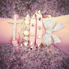 Jewerly, fashion, style, trendy, necklace, bangle, bracelets, rings, earring