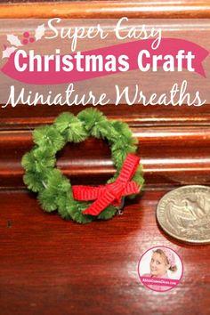 Super Easy Christmas Craft – Miniature Wreaths pin at ASlobComesClean.com