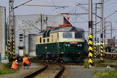 Železnice Trains, Electric, Painting, Czech Republic, Painting Art, Paintings, Painted Canvas, Train, Drawings