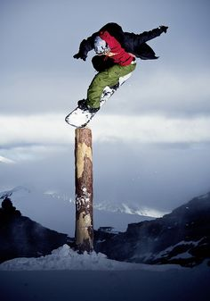 Rider: Reto Kestenholz | Location: Zermatt | Photo: Dominic Zimmermann | Fall / Winter