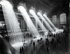 Grand Central Station NYC, 1929. Photo by Hal Morey.