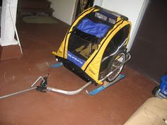Make Your Own DIY Ski Pulk From Your Burley Trailer I've wanted to make a DIY pulk for pulling kids around on XC skis for a while now. Trailer Diy, Bike Trailer, Burley Trailer, Diy Caravan, Caravan Ideas, Xc Ski, Snow Sled, Diy Baby Shower Decorations, Cross Country Skiing