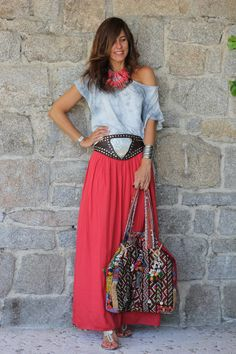 long skirt…in or out? | mytenida en stylelovely.com