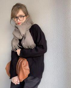 emiliopucci__ / GU(ジーユー)の「スウェットライクオーバーサイズセーター(長袖)Q」をあわせたコーディネート - PARTE Mode Outfits, Casual Outfits, Fashion Outfits, Womens Fashion, Slow Fashion, Daily Fashion, Girl Fashion Style, Fashion Lookbook, Winter Outfits