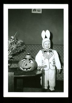 VINTAGE HALLOWEEN PHOTO.....cute!
