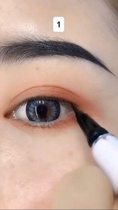 Doll Eye Makeup, Smoke Eye Makeup, Korean Eye Makeup, Korean Eyeliner, Anime Makeup, Makeup Tutorial Eyeliner, Makeup Looks Tutorial, Natural Eyeliner Tutorial, Easy Eyeliner