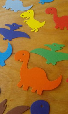 Dinosaur Room Decor, Dinosaur Party Decorations, Dinosaur Crafts, Birthday Party Decorations, Dinasour Party, Dinasour Birthday, Dinosaur Birthday Party, Preschool Crafts, Crafts For Kids
