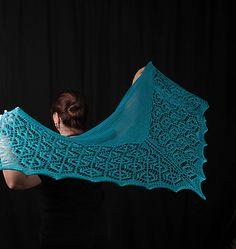 Flukra lace shawl