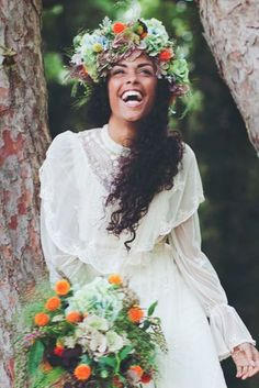 Natural bohemian bride with curly hair Boho Wedding, Dream Wedding, Wedding Day, Hair Inspiration, Wedding Inspiration, Curly Hair Styles, Natural Hair Styles, Pelo Afro, Black Bride