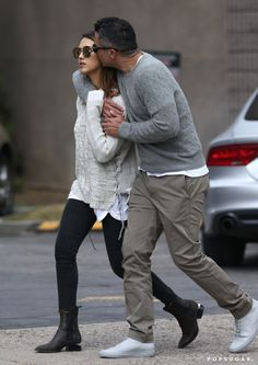 Pin for Later: Jessica Alba and Cash Warren Share Sweet PDA on the Streets of Aspen