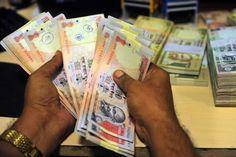 रुपया अंतरबैंक विदेशी मुद्रा बाजार में आज के शुरआती कारोबार में 34 पैसे मजबूती के साथ दो सप्ताह के उच्चतम स्तर 62.35 पर पहुंच rupeeगया