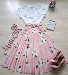 Graduation Outfit Ideas For Every Style Modest Outfits, Skirt Outfits, Classy Outfits, Pretty Outfits, Pretty Dresses, Beautiful Outfits, Cool Outfits, Cute Fashion, Modest Fashion