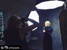 #Repost @emilysoto ・・・ Behind the scenes yesterday with the lovely @larajadephotography, for those who missed it view the video along with a @vinta.co giveaway and our @CreateRetreat announcement on the link in my bio! www.CreateRetreat.co Studio Lighting Setups, Photography Lighting Setup, Portrait Lighting, Photo Lighting, Photography 101, Photoshop Photography, Photography Tutorials, Portrait Photography, Studio Setup