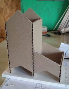Doll House Crafts, Diy Home Crafts, Diy Arts And Crafts, Doll Crafts, Diy Craft Projects, Crafts To Make, Newspaper Crafts, Tea Box, Paper Houses
