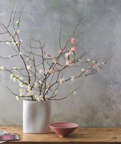 30 Delicate Cherry Blossom Décor Ideas For Spring | DigsDigs